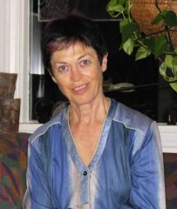 Dr Lea Stogdale